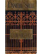 Az udvarház - Danielle Steel