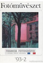 Fotóművészet '93. 2. szám - Régikönyvek