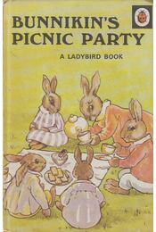 Bunnikin's Picnic Party - A. J. Macgregor - Régikönyvek