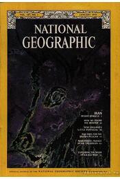 National Geographic 1975 January - Bell Grosvenor, Melville - Régikönyvek