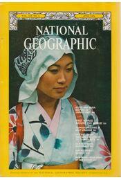 National Geographic 1976 June - Bell Grosvenor, Melville - Régikönyvek