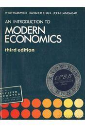 Modern economics - Hardwick, Philip, Khan, Bahadur, Langmead, John - Régikönyvek