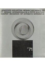 I. Nemzetközi Kisplasztikai Biennálé Műcsarnok - Régikönyvek