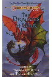 Stock Image The Dragons at War - Margaret Weis,  Tracy Hickman - Régikönyvek